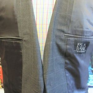 Jos. A. Bank Suits & Blazers - 42 L- JOS. A. BANK 100% WOOL SPORT COAT WINDOWPANE